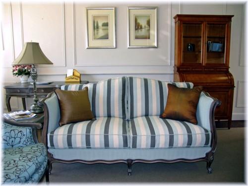 Art 619 2-5 Settee Loose Cushion Back