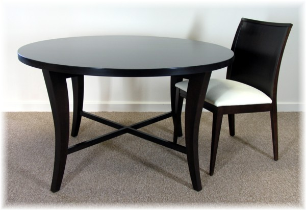 Art 827 Dining Table