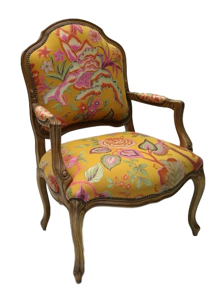 Art. 153.Large Salon Chair